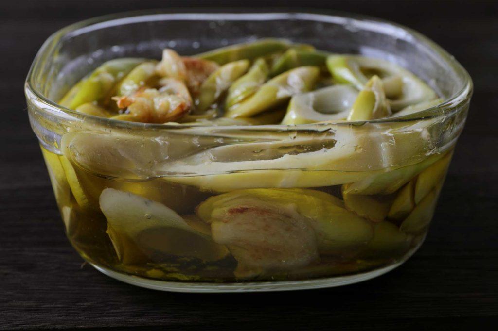 四方竹のオリーブオイル漬け