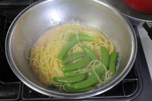 スナップエンドウの辛子明太子クリームスパゲッティ