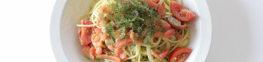 5種のトマトと海ぶどうの冷製パスタ ジェノベーゼソース